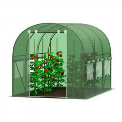 Dažādu izmēru dārza siltumnīca